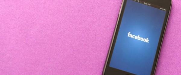 Facebook et smartphones : une étroite relation